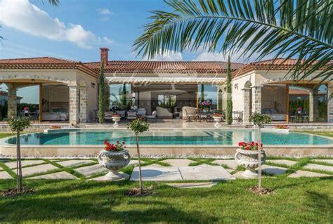 Villa Stile Mediterraneo by Villa Di Lusso Nuova In Stile Mediterraneo Masterhomes 174