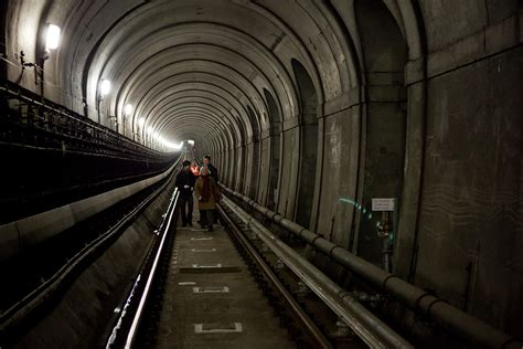 thames river underground how the thames tunnel revealed london s class divide