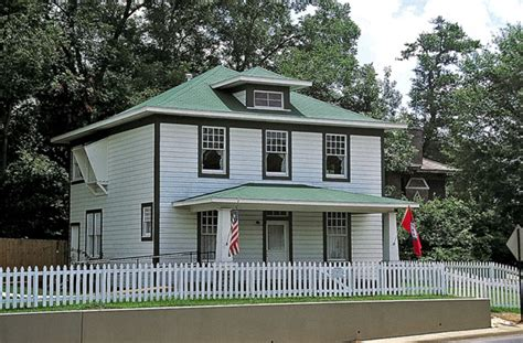 bill clinton home presidential birthplaces from humble beginnings to greatness