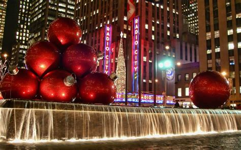 oversized christmas lights nyc huge christmas balls and fountain rockefeller center nyc