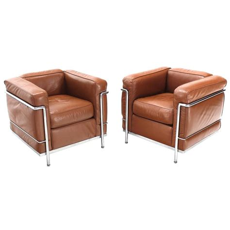 fauteuil lc2 le corbusier lc2 cassina brown leather pair of lounge chairs for sale at 1stdibs