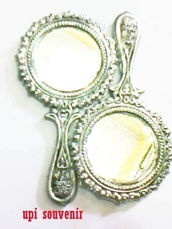Sendal Teplek Bunga Silver Termurah 09 upi souvenir cermin tangan