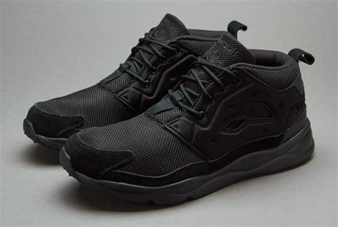 Harga Reebok Shoes sepatu sneakers reebok furylite chukka solid black
