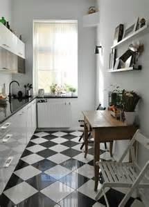 Bien Salle De Bain Style Nordique #2: carrelage-damier-noir-et-blanc-belle-cuisine-style-nordique.jpg