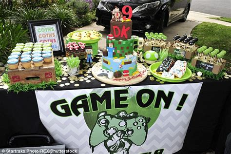 themed gamer party tori spelling throws video game themed party for her son