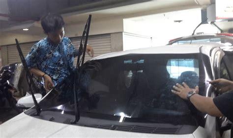 Pelapis Kaca Mobil cara kerja pelapis kaca mobil antikapak okezone news