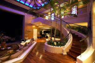 luxury mansions celebrity homes tiger woods beachfront