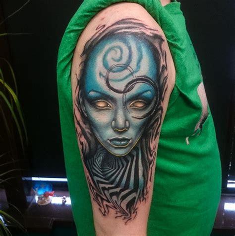new school alien tattoo new school style colored shoulder tattoo of alien woman