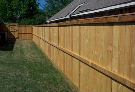 Cost Of Backyard Fence by Wood Fence Ideas For Backyard