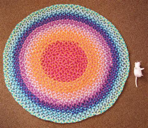 braided rag rug  sewing  decor