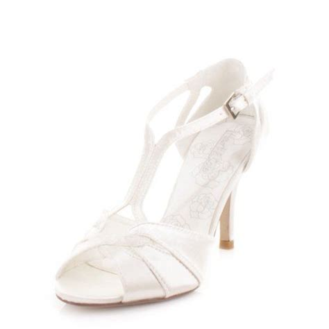 Strappy Ivory Bridal Shoes by 7 Best Wedding Shoes Images On Weddings