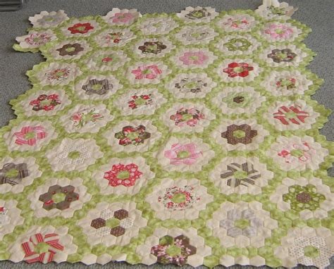 Flower Garden Quilts Grandmother S Flower Garden A Hexagon Quilt Update Nita Collins