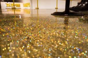 Diy metallic epoxy floor application gold glitter youtube