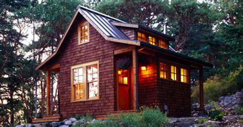 400 Square Foot Cabin by Peer Into This 400 Square Foot Cabin S Kitchen