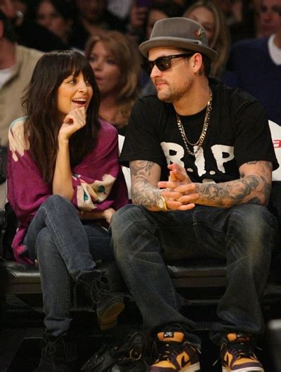 12 Basketball Fans Couples Edition by Richie And Joel Madden 12 Basketball Fans