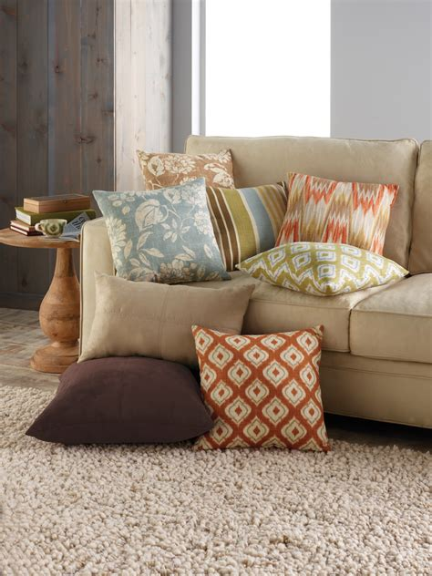accent pillows for sofa decorative pillows sofa guide to choosing throw pillows