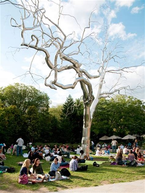 National Sculpture Garden by 10 Of The Best Picnic Spots In The World The Travelers Zone