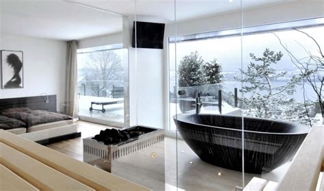 bad und schlafzimmer in einem raum freestanding bathtub in the bedroom no clear separation