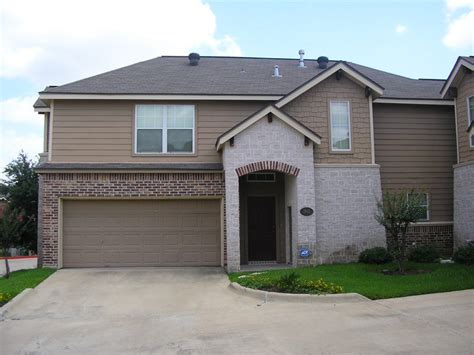 houses for rent college station townhouse for rent 3 bd 2 5 ba townhome near aerofit health club