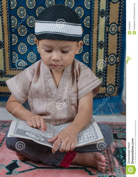 a muslim boy books learning to read quran stock images image 13562824