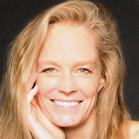 Youtube Home Design Video by Suzy Amis Cameron S Personal Website Is Live Red Carpet