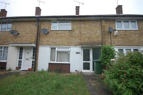 2 bedroom house basildon 2 bedroom terraced house for sale in basildon essex ss14