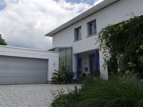 tür zwischen garage und wohnhaus tolles haus ist das ein wintergarten zwischen haus und