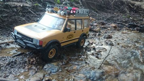 rc scale axial scx10 land rover discovery 1