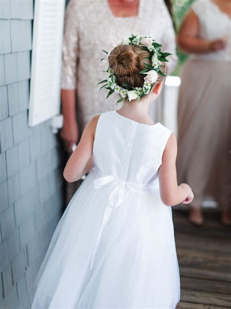 14 adorable flower girl hairstyles