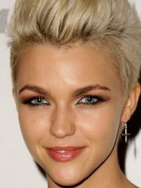 short haircuts classic hairstyles classic short hairstyles for women