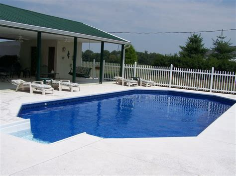 Vacation Rentals In Nashville Tn With Pool Country Home With Pool And Tub In Franklin