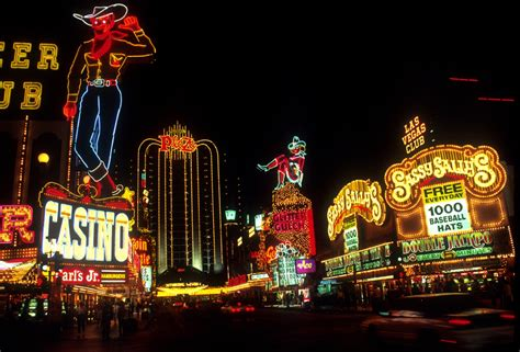 Wonderful Cowboy Christmas Las Vegas #2: Srf36m.jpg