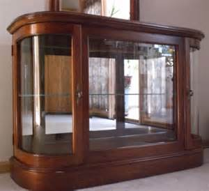 Lighted Console Curio Cabinet Vintage Lighted Curved Glass Curio Cabinet Mi In