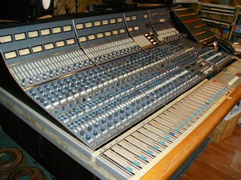 recording mixing console vintage neve 8068 recording mixing console professional