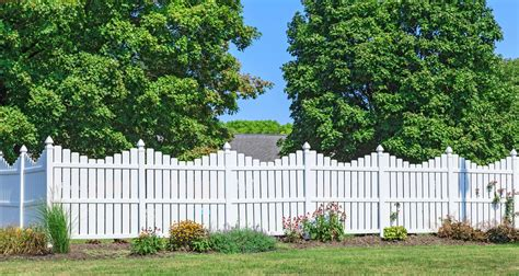 zaun ideen 22 vinyl fence ideas for residential homes