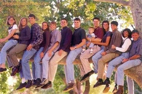 8 Funniest Families by Curious Photos Pictures Family Photos 41