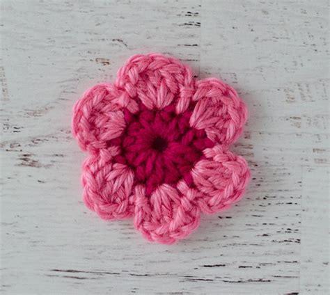 crochet flower pattern uk easy crochet flower pattern crochet 365 knit too