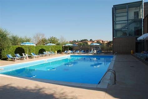 hotel il giardino siena great pool but busy foto di hotel il giardino siena