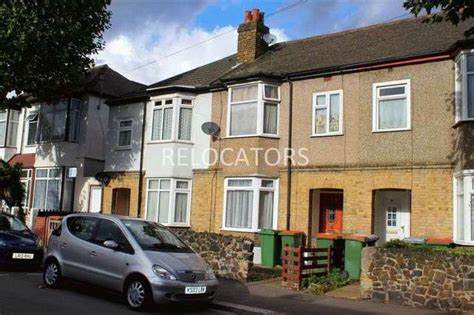 1 bedroom flat to rent in manor park flat to rent 1 bedrooms flat e12 property estate agents in manor park manor park