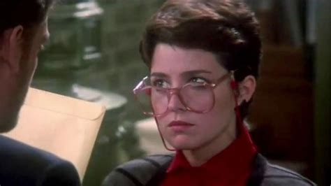 Annie Potts new ghostbusters calls on annie potts for cameo appearance