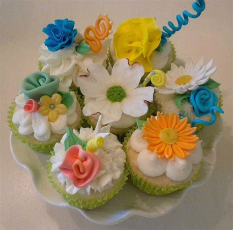 Summer Cookie Decorating Ideas by Summer Flowers Cakes Gum Paste And Fondant