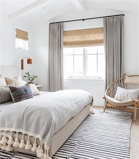 How To Curtains For Bedroom by 35 Spectacular Bedroom Curtain Ideas The Sleep Judge