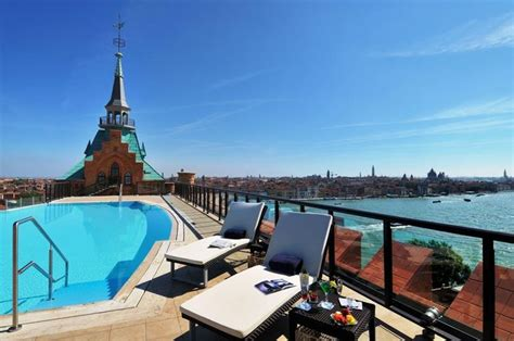 best place to stay venice things to do in venice what to see and eat and where to