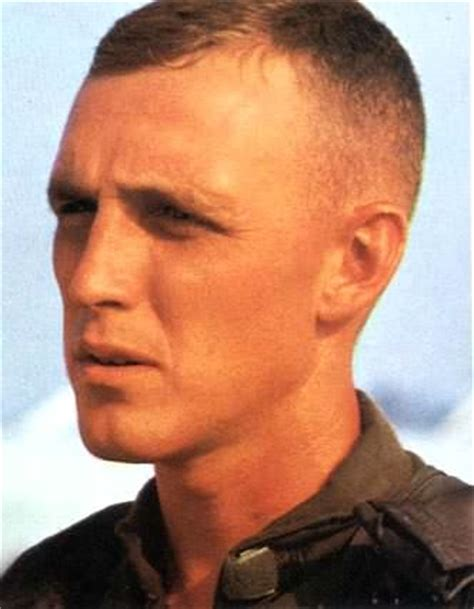 medium regulation haircut military haircuts hairstyle guide for men best