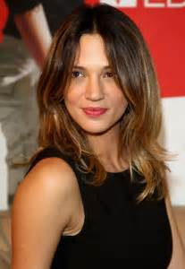medium length hairstyle for 50 oval shape picture of asia argento