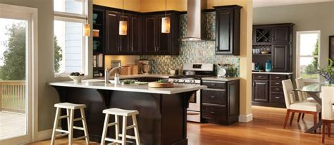 Waypoint Living Spaces   Stutlers Cabinets