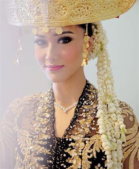 17 best images about kebaya on models kebaya and fashion weeks
