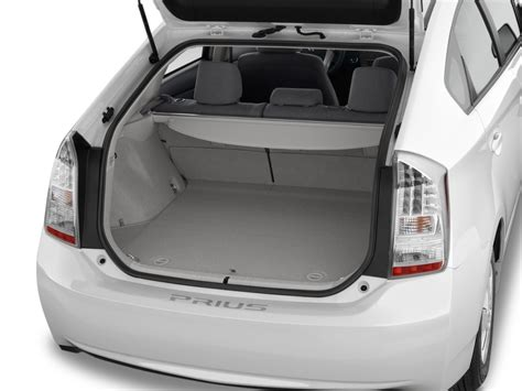 Toyota Kluger Boot Size Prius Hybrid 2015 Shortage Autos Post