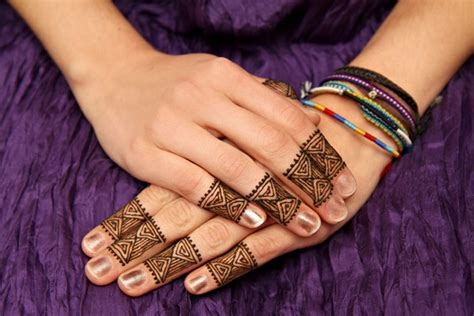 henna tattoos close to me 90 stunning henna designs to feed your temporary