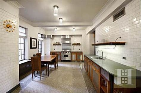 bruce willis new york city apartment for sale bruce willis home bruce willis buys u2 bassist adam clayton s nyc apartment